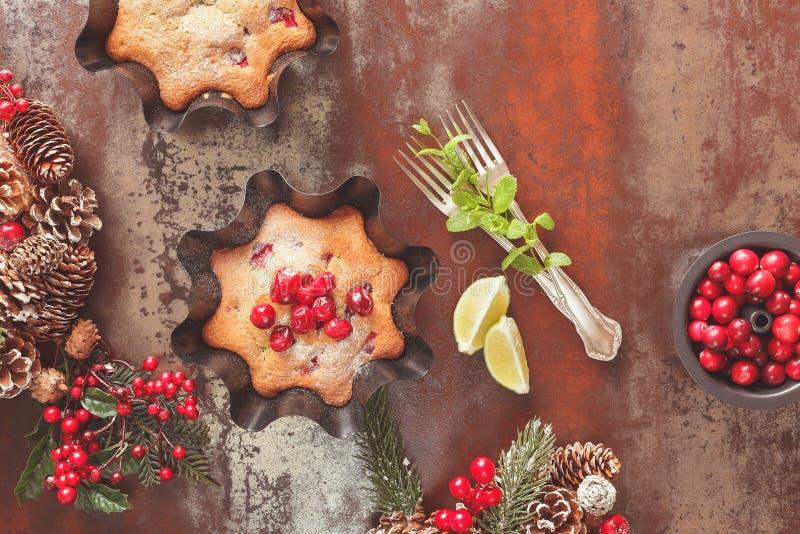 Queque de frutas tradicional para la Navidad fotografía de archivo