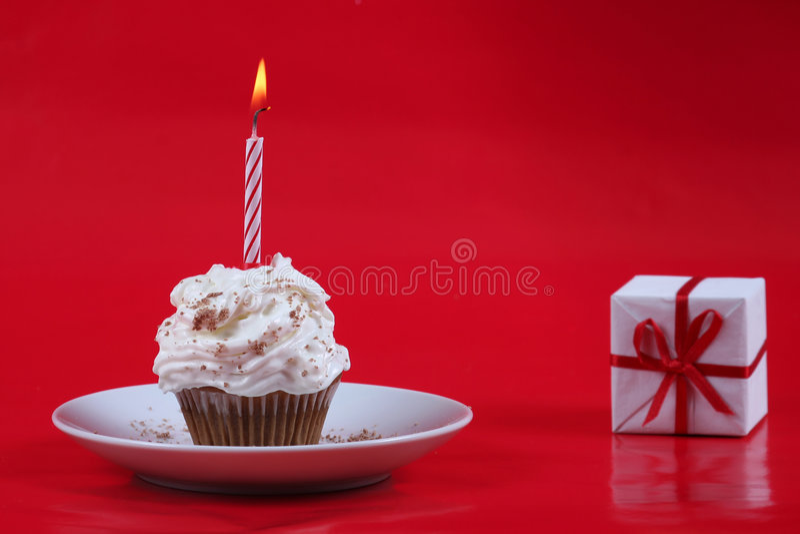 Queque do aniversário imagens de stock