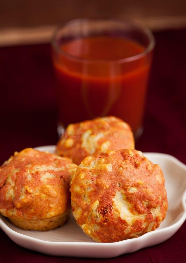 Download Queques com tomates imagem de stock. Imagem de homemade - 29845067