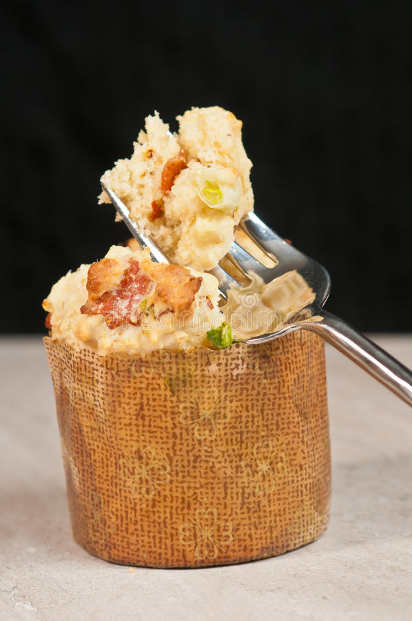 Queques do milho doce, do bacon e do Jalapeno fotografia de stock
