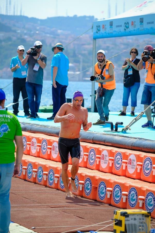 Quer-kontinentales Schwimmen-Rennen 2018 Samsungs Bosphorus stockfoto