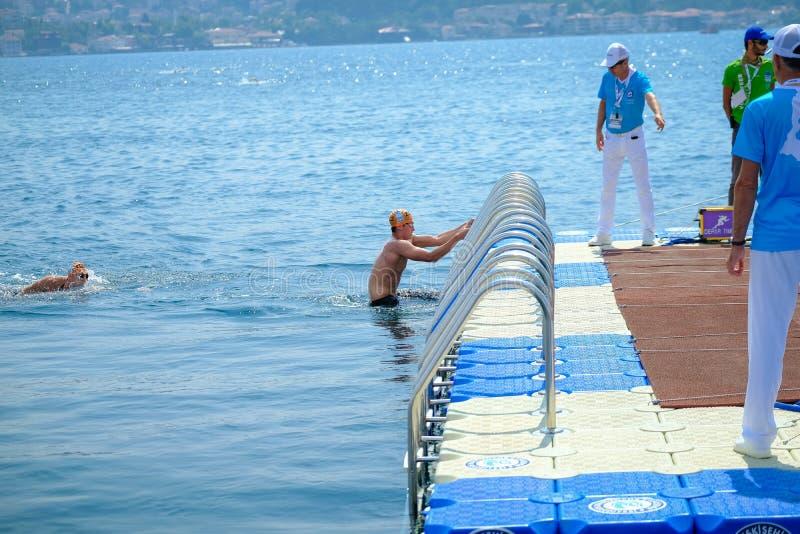 Quer-kontinentales Schwimmen-Rennen 2018 Samsungs Bosphorus stockfotos
