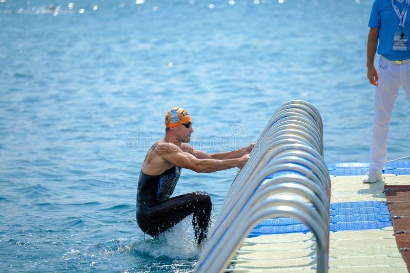 Quer-kontinentales Schwimmen-Rennen 2018 Samsungs Bosphorus lizenzfreie stockbilder