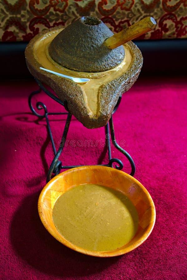 Quern rotatorio della pietra dell'argania spinosa immagine stock libera da diritti