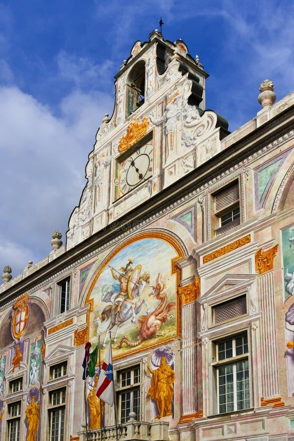 Querneigung des Heiligen George bei Palazzo San Giorgio, Genua stockbild