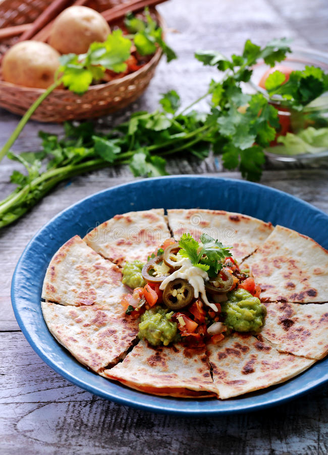 Quesadilla mexicain de cuisine image libre de droits