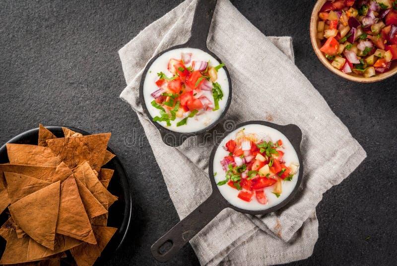 Queso blanco z Piec Tortilla układami scalonymi fotografia stock