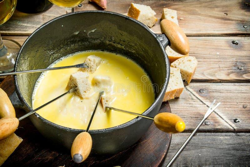 Queso delicioso de la 'fondue' imagen de archivo libre de regalías