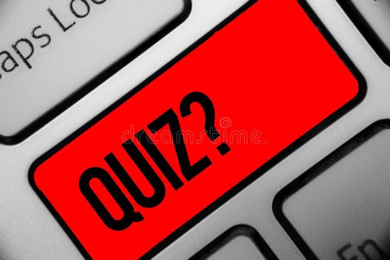 Question de jeu-concours d'écriture des textes d'écriture Concept signifiant l'examen court d'évaluation d'essais pour mesurer vo image libre de droits