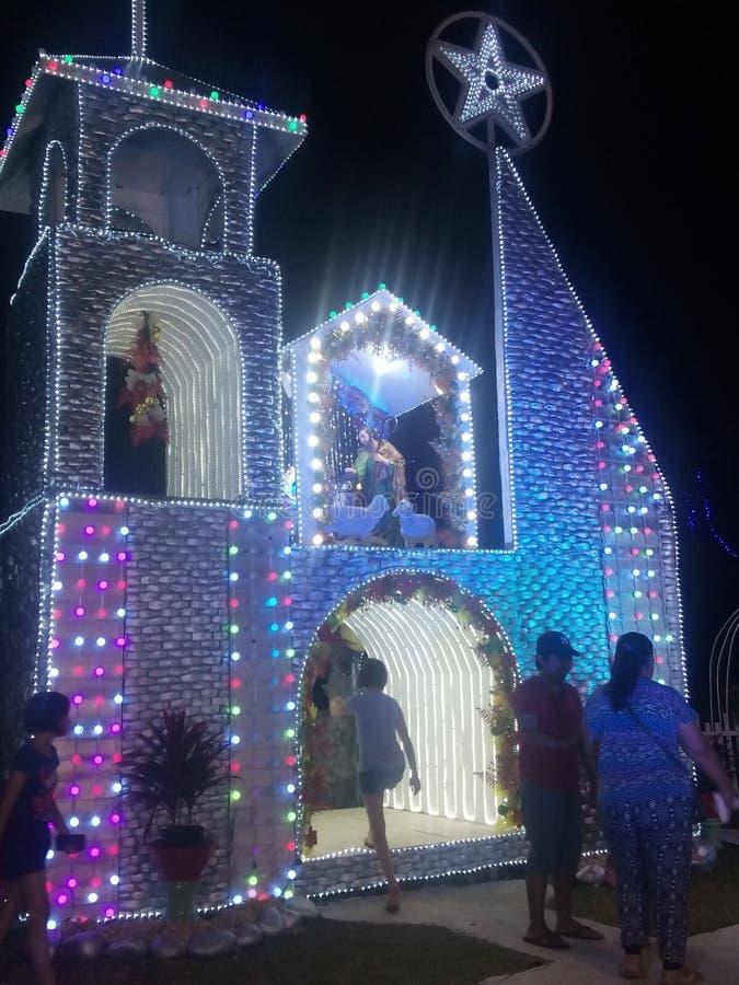 Questo garante della costruzione della cabina dalla chiesa cattolica di oroquita fotografie stock