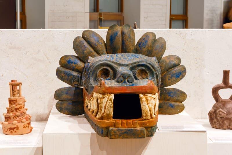 Quetzalcoatl头在博物馆 免版税库存照片