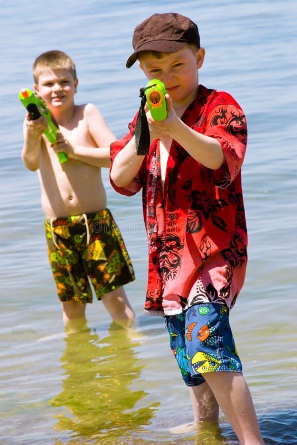 Qui veut un combat de l'eau ? image stock
