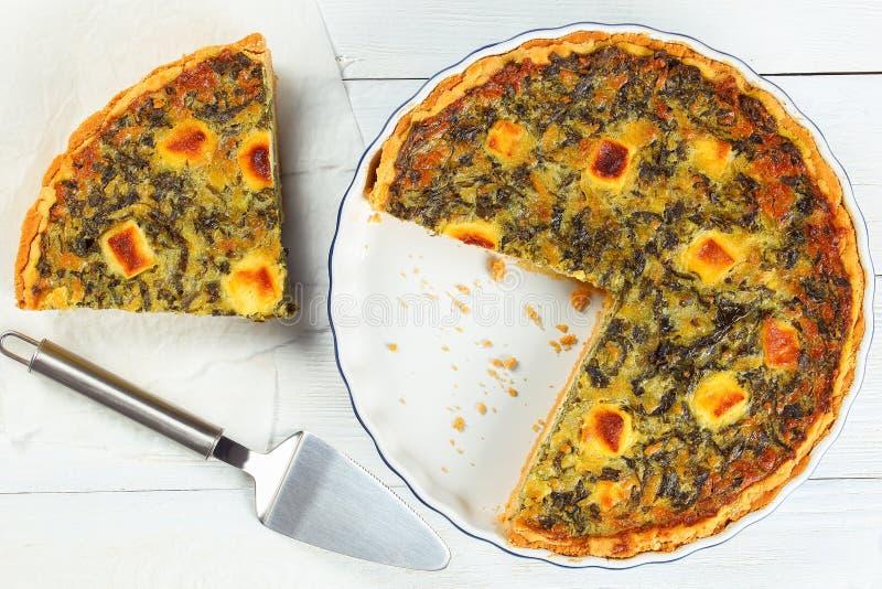 Quiche de la espinaca, queso Feta, queso del ricotta fotos de archivo libres de regalías