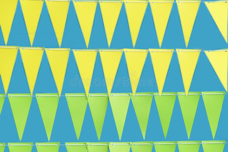 Quilling de papel, triângulo de papel colorido fotografia de stock royalty free