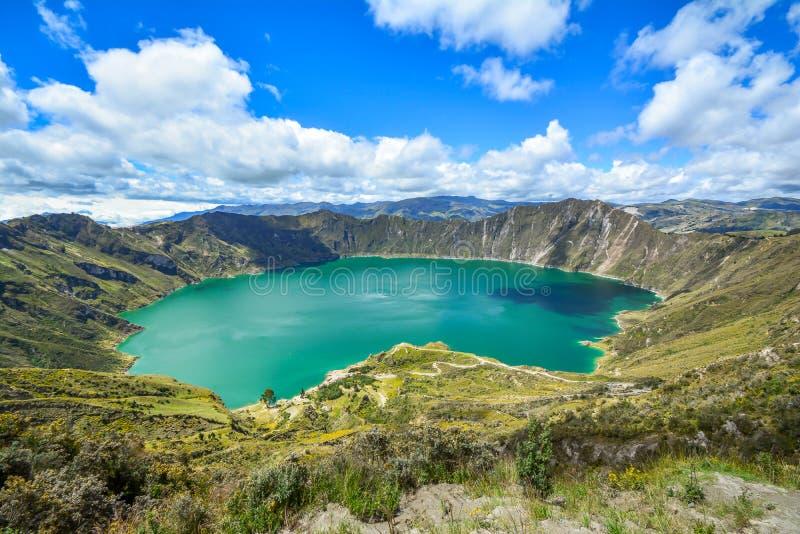 Quilotoa Ecuador lagun i vulkan fotografering för bildbyråer