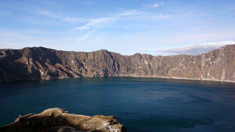 Quilotoa sjö i Ecuador royaltyfri foto