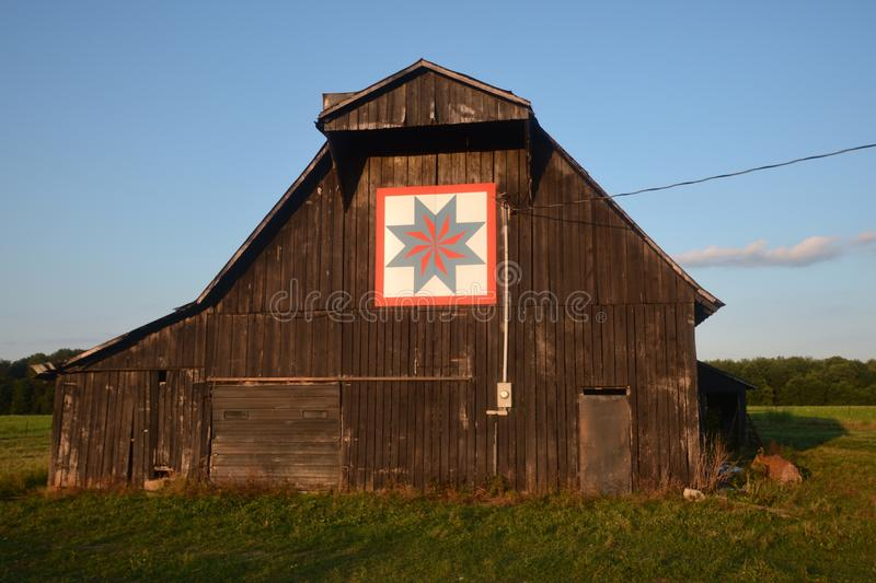 Quilt Pattern on Tobacco Barn royalty free stock photography