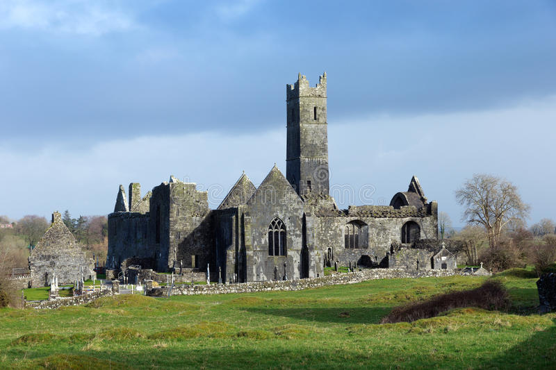 Quin Abbey images stock