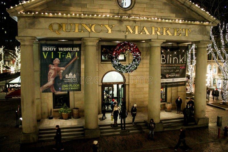 Quincy Market bij Faneuil-Zaal, Kerstmistijd royalty-vrije stock foto