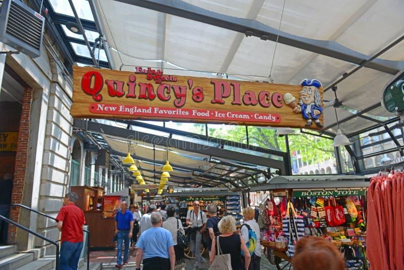 Quincy Market inre, Boston, USA fotografering för bildbyråer