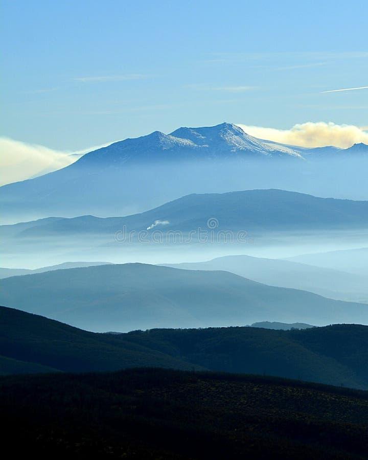 quindici ombre delle montagne fotografia stock libera da diritti