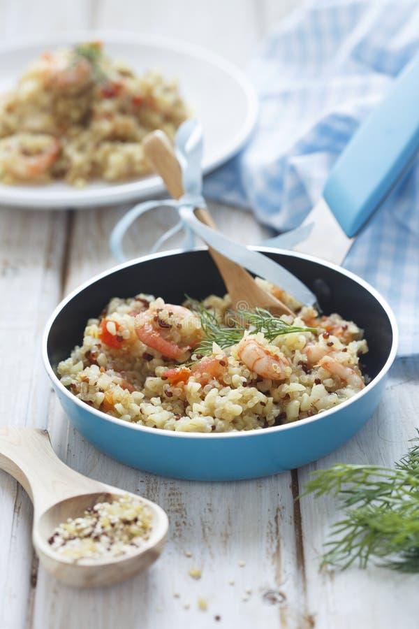 Quinoa en bulgur pilau stock foto's
