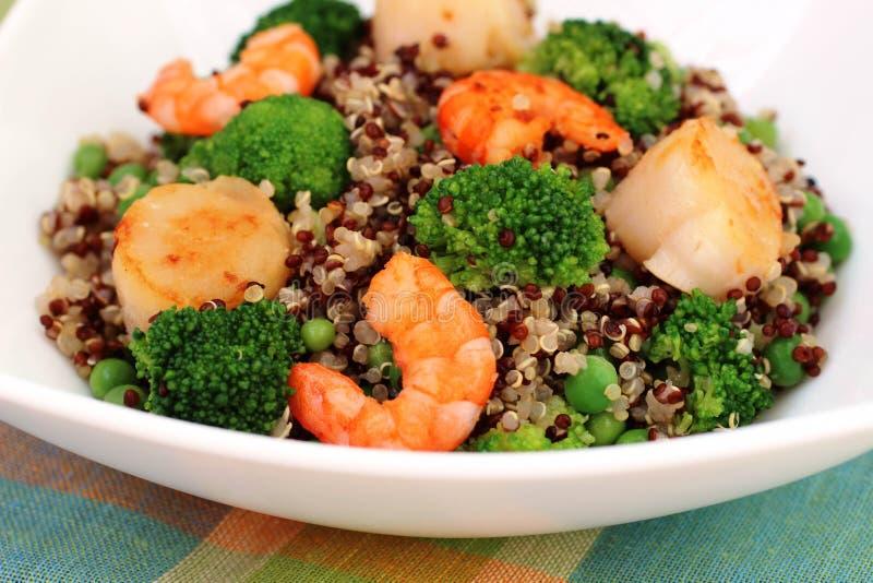 Quinoa salade stock afbeeldingen