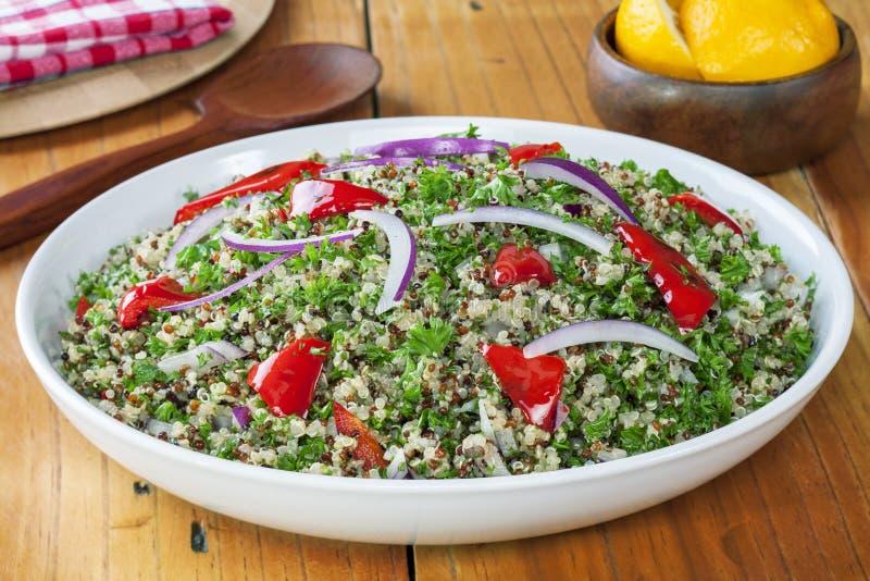 Quinoa y ensalada del amaranto foto de archivo