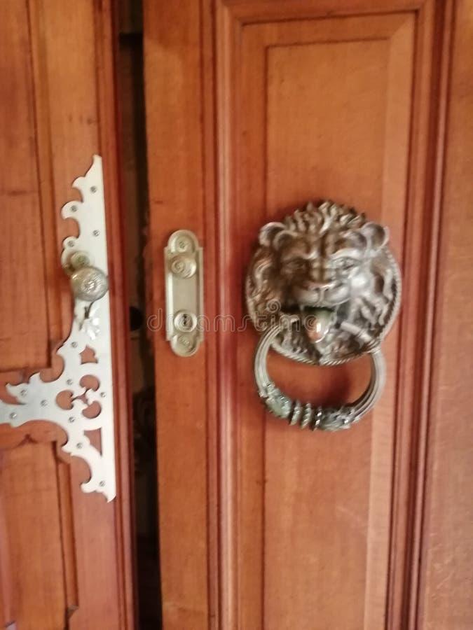 Quinta da Regaleira-doorknob-Sintra-Portugal stock foto