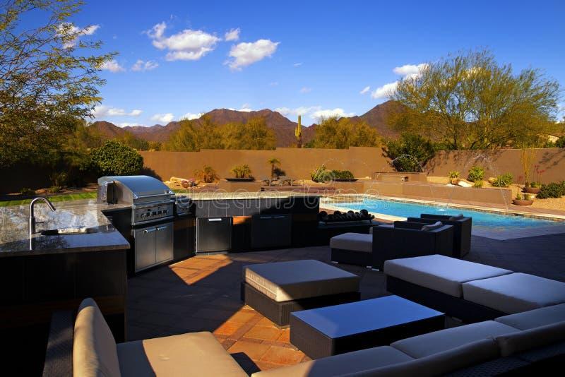 Quintal da casa do sudoeste do Arizona imagem de stock