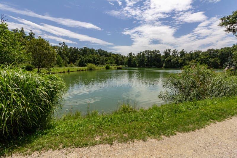 Quinto lago no parque de Maksimir, Zagreb, Croácia imagens de stock