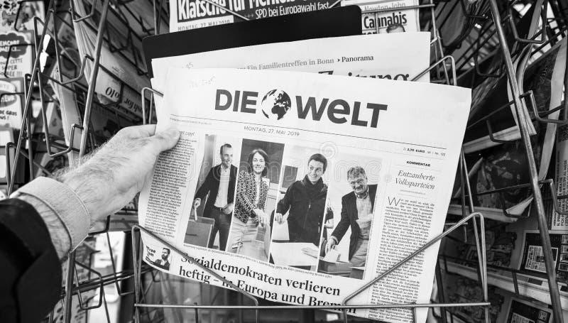 Quiosque da eleição do Parlamento Europeu do jornal 2019 de Die Welt imagem de stock