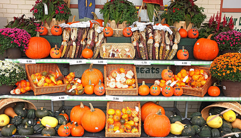 Quitandeiro verde Stall Pumpkin Harvest imagens de stock royalty free