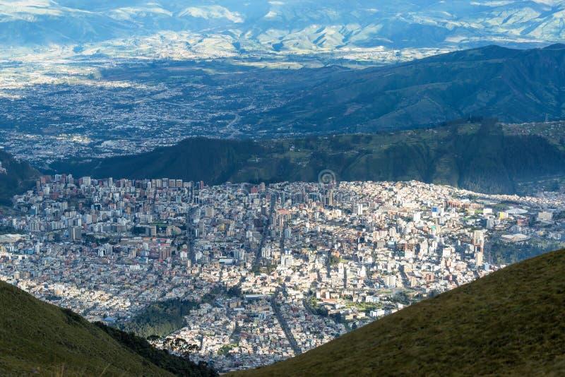 Quito desde arriba fotos de archivo