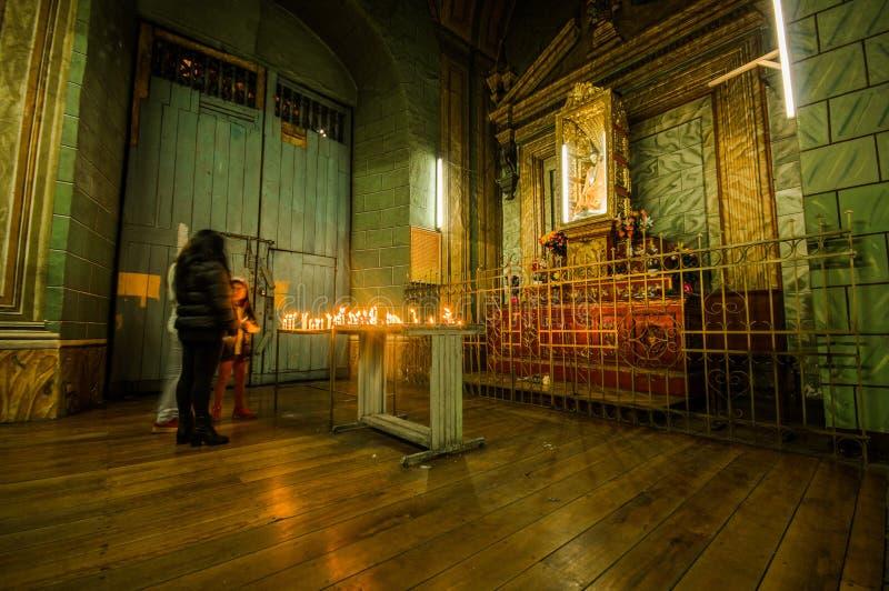 QUITO ECUADOR, FEBRUARI 22, 2018: Inomhus sikt av den laCatedral kyrkan i domkyrka för Quito` s royaltyfria bilder