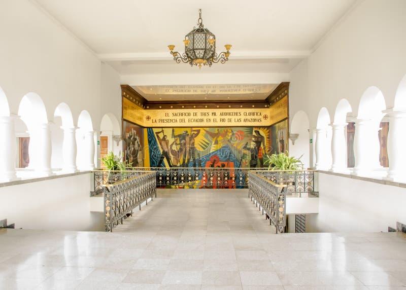 Quito Ecuador - 2107: Guayasam n väggmålning på den Carondelet slotten, platsen av regeringen av Republiken Ecuador royaltyfria foton