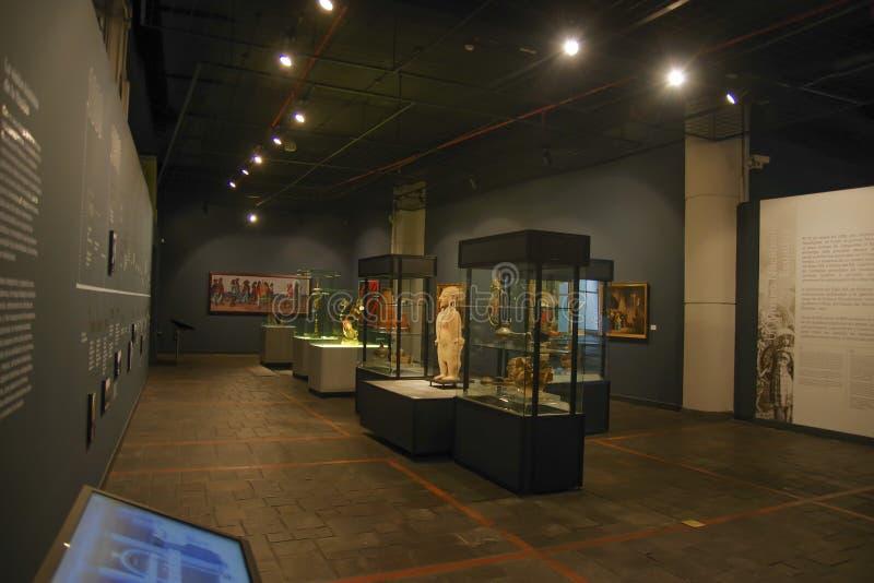 QUITO, EQUATEUR - 17 AOÛT 2018 : Fait main en céramique de vue d'intérieur par des Inca d'ancienct à l'intérieur de des étalages  photos stock