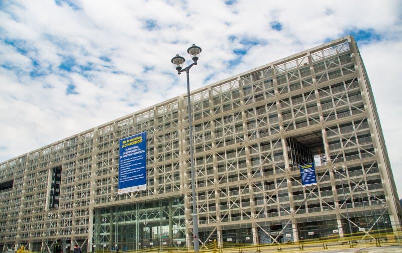 Quito equateur avril nouvel immeuble de bureaux moderne