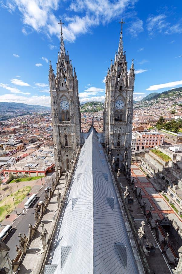 Quitobasilikalodlinje arkivfoton