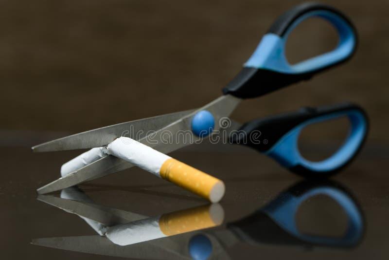 Quittez fumer et épargnez l'argent image libre de droits