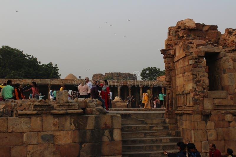 Qutb Minar komplex i Mehrauli, New Delhi, Indien arkivfoto