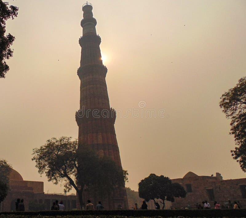 Qutub Minar塔在德里,印度 免版税库存照片