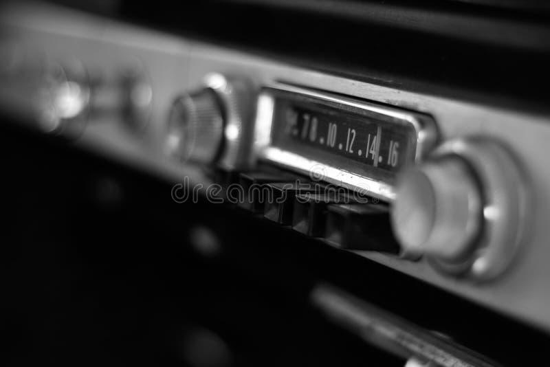 Rádio de carro antigo fotografia de stock