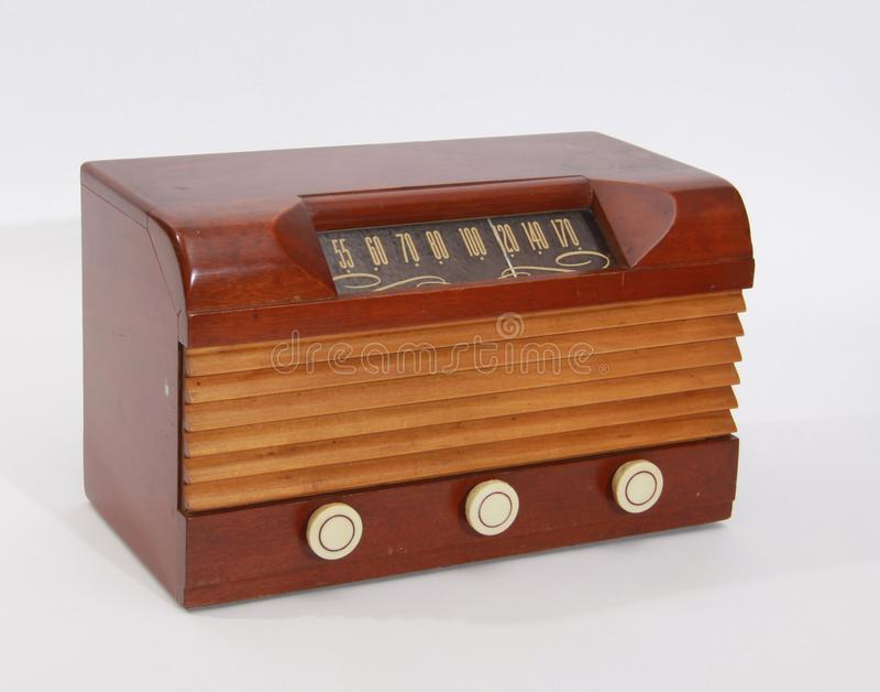 Rádio de madeira do tampo da mesa do vintage fotos de stock royalty free