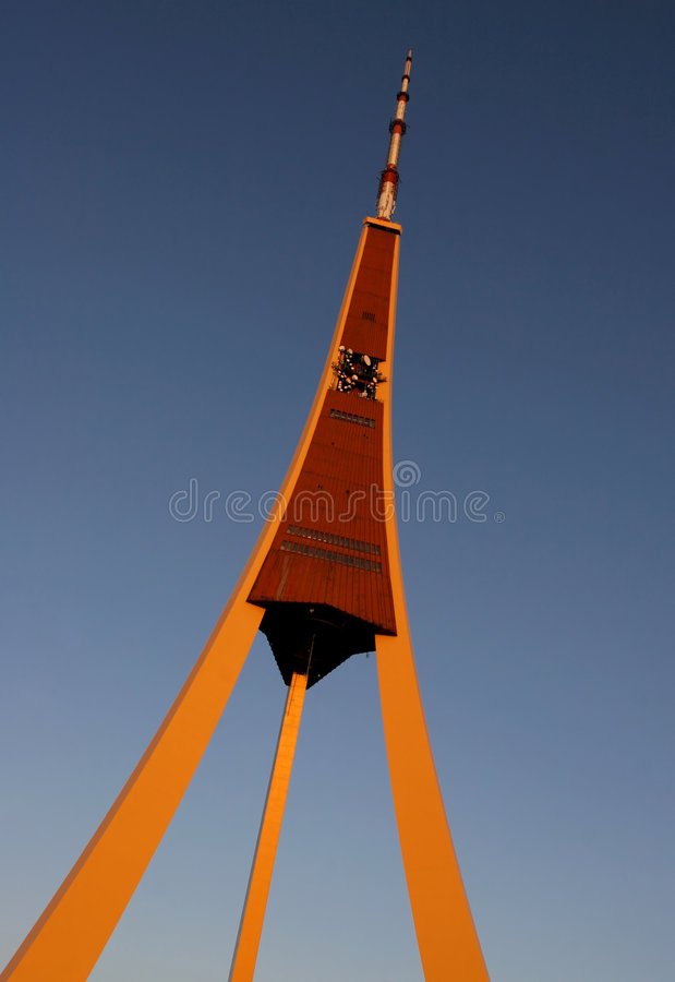 Rádio de Riga e torre da tevê foto de stock