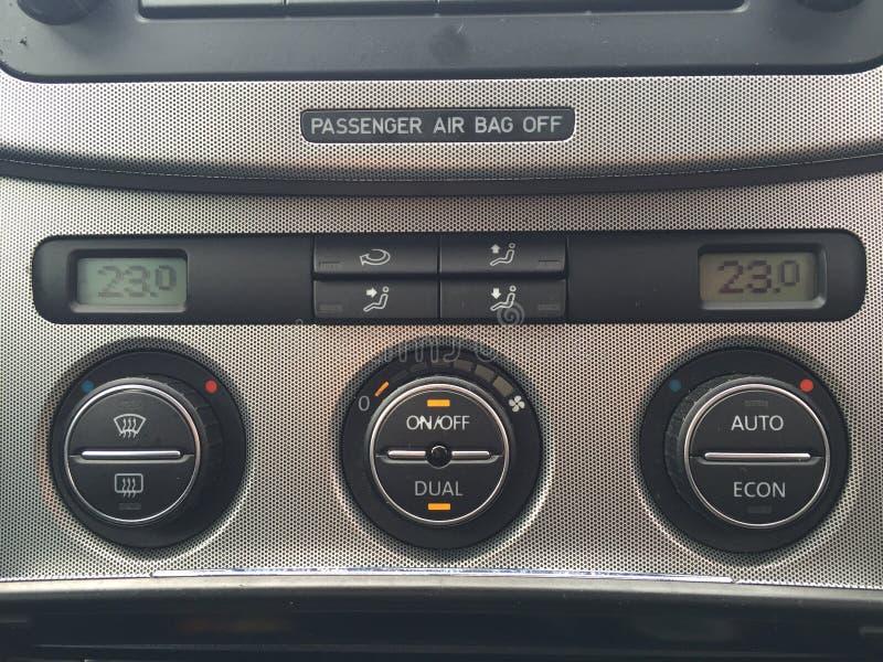 Rádio de Volkswagen Passat imagens de stock