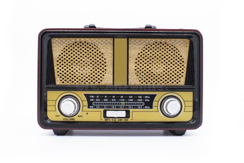Rádio retro moderno isolado no fundo branco foto de stock