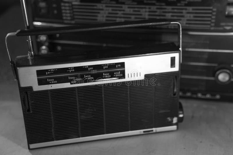 Rádio retro velho do estilo imagens de stock royalty free