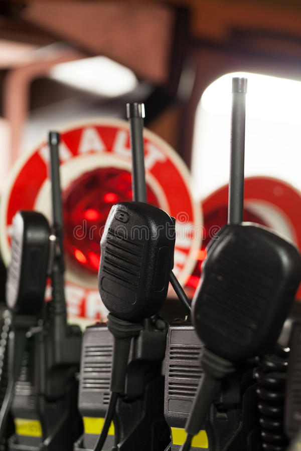 Rádios do departamento dos bombeiros no carro de bombeiros foto de stock royalty free