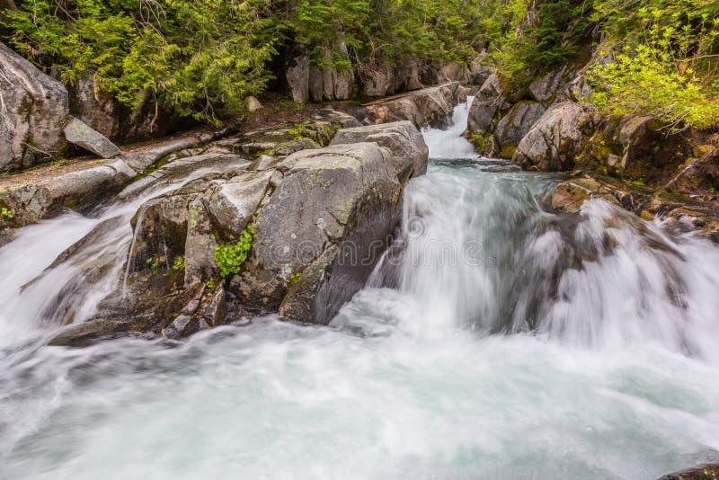 Rápidos en el río del paraíso, foto de archivo